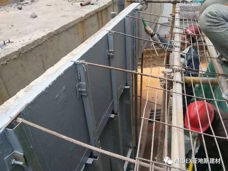 """亚地斯防水""""力筑""""上海颜值新地标 - 10米水景幕墙"""