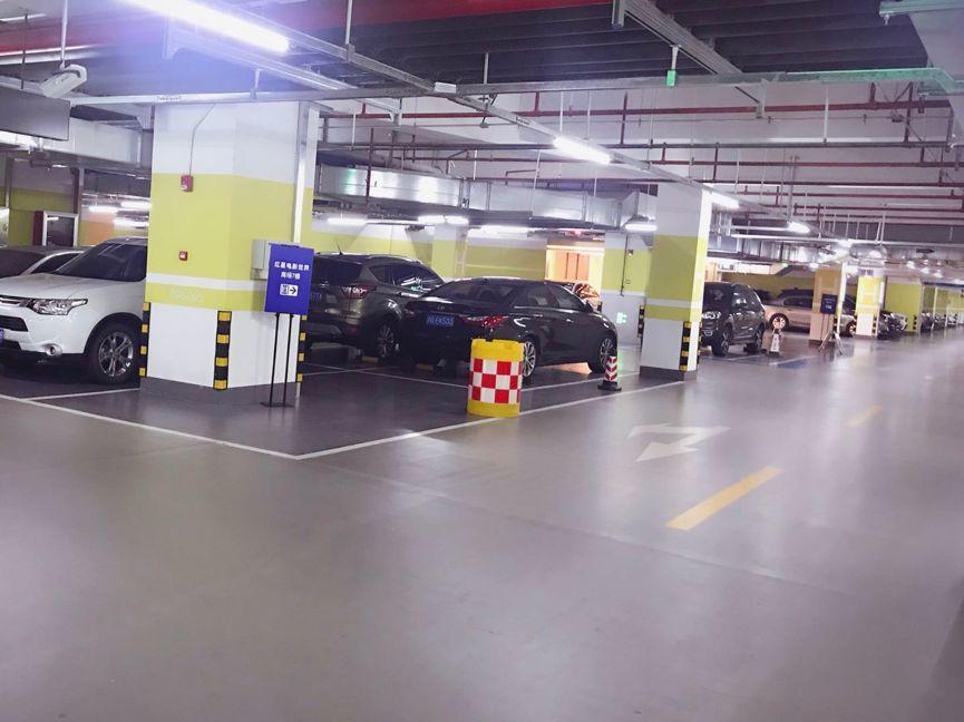 【案例分享】上海爱琴海购物中心 多功能面层自流平耐磨降噪防潮一网打尽